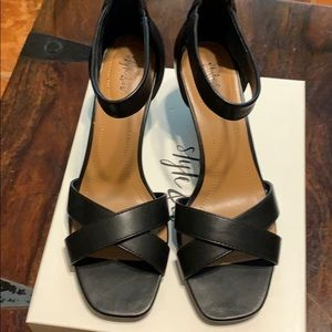 NEW IN BOX STYLE & CO BLACK SHOES SIZE 7
